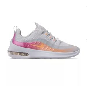 Nike womens air max axis premium